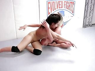Cougar With Meaty Tits Demolishes Lil' Female In Nude Grappling Match - Kink