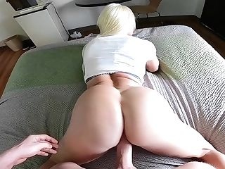 Bootylicious Honey Nikki Delano Loves Facesit And Fuckpole Railing