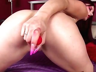 Wide Open Bigtits Cougar Taunts Her Asshole