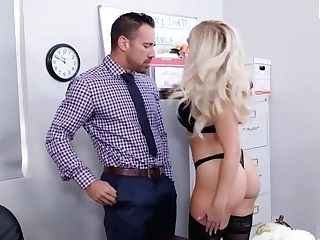Alexis Monroe Has An Office Fling With Co-employee - Naughtyoffice