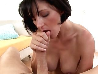 Roxanne Slurps On Big Penis To Guzzle Jizz