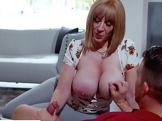 Fucking His Best Friend's Horny Mom
