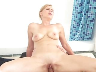 Familystrokes - Hot Mummy Bj's Off Step-sonnie