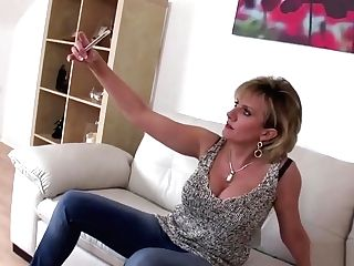 Unfaithful Brit Mummy Lady Sonia Shows Off Her Large Titties
