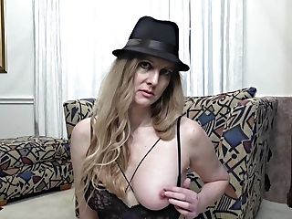 Horny Lady Shows The Matures Pleasure